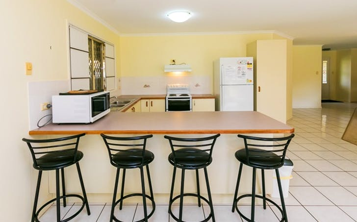 13 Seabreeze Lane, Point Vernon, QLD, 4655 - Image 1