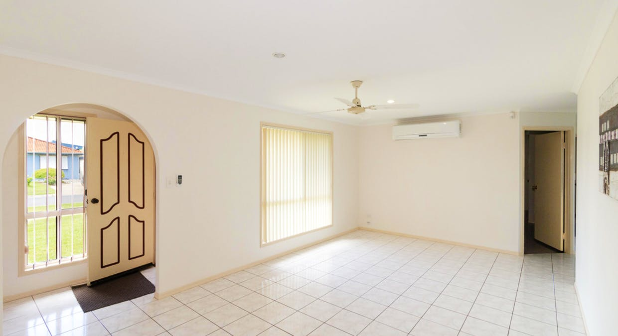 32 Wide Bay Drive, Eli Waters, QLD, 4655 - Image 3
