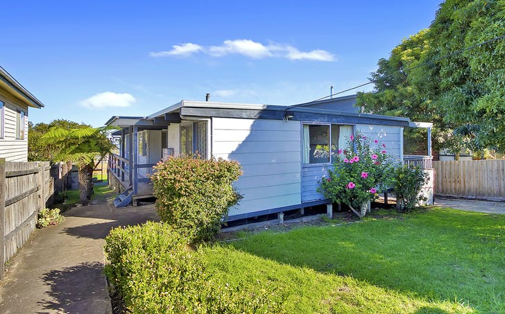 49 Capes Road, Lakes Entrance, VIC, 3909 - Image 1
