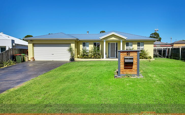 20 Leurimah Court, Lakes Entrance, VIC, 3909 - Image 1