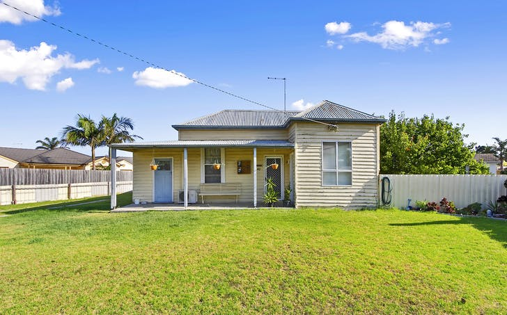 40-42 Roadknight Street, Lakes Entrance, VIC, 3909 - Image 1