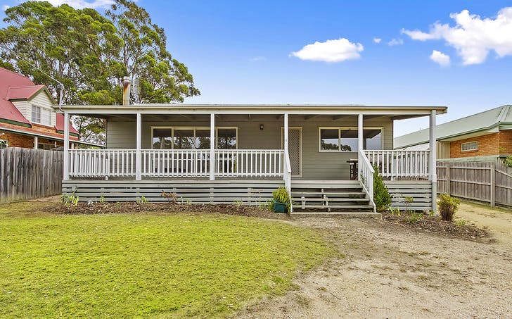 9 Weekes Road, Lakes Entrance, VIC, 3909 - Image 1