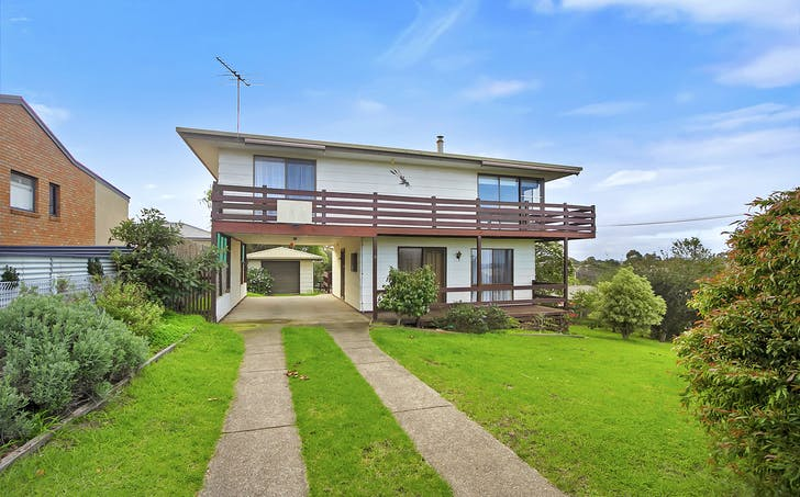 16 Ozone Crescent, Lakes Entrance, VIC, 3909 - Image 1