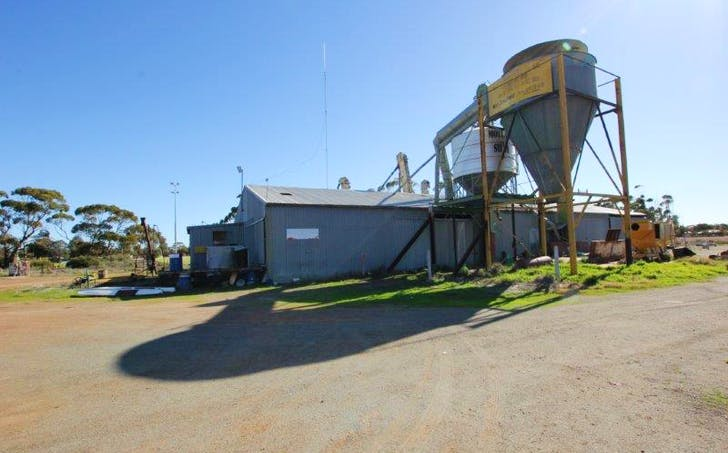 105 Latham Road, Narembeen, WA, 6369 - Image 1