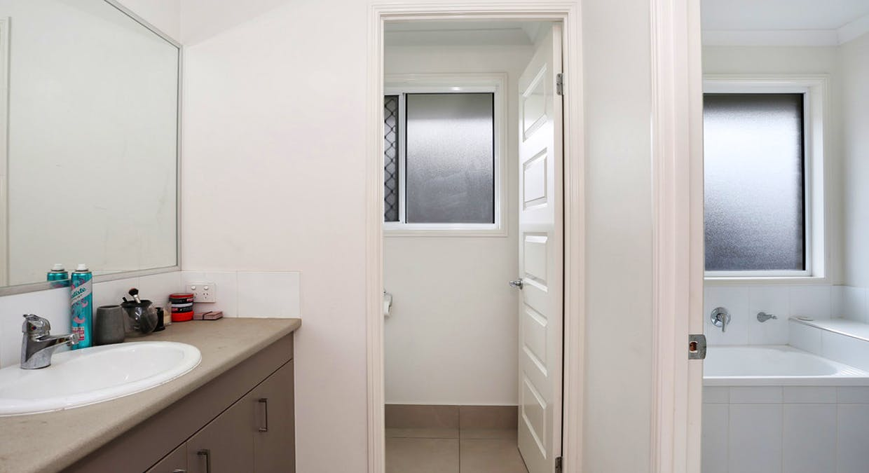 12 Fred Pham Crescent, Doolandella, QLD, 4077 - Image 7