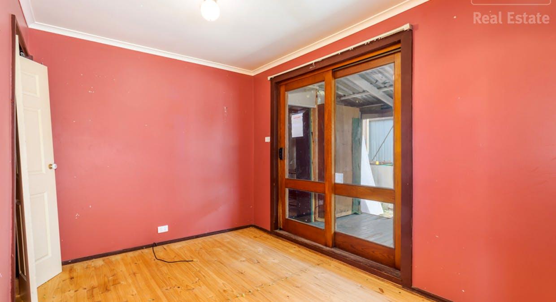 33 Hayley Crescent, Karabar, NSW, 2620 - Image 7