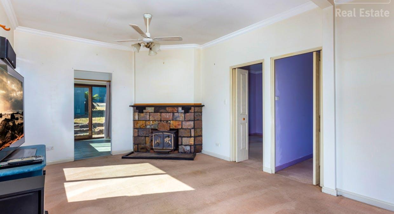 8 Wilga Street, Captains Flat, NSW, 2623 - Image 2