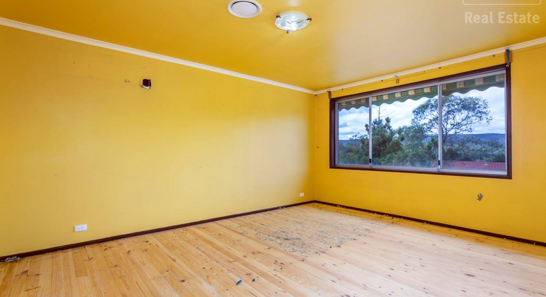 33 Hayley Crescent, Karabar, NSW, 2620 - Image 2