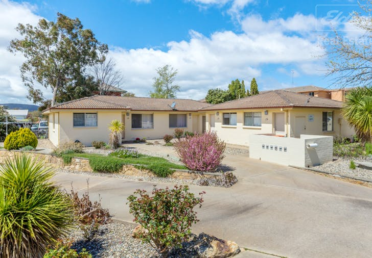 10 Bowers Place, Queanbeyan, NSW, 2620