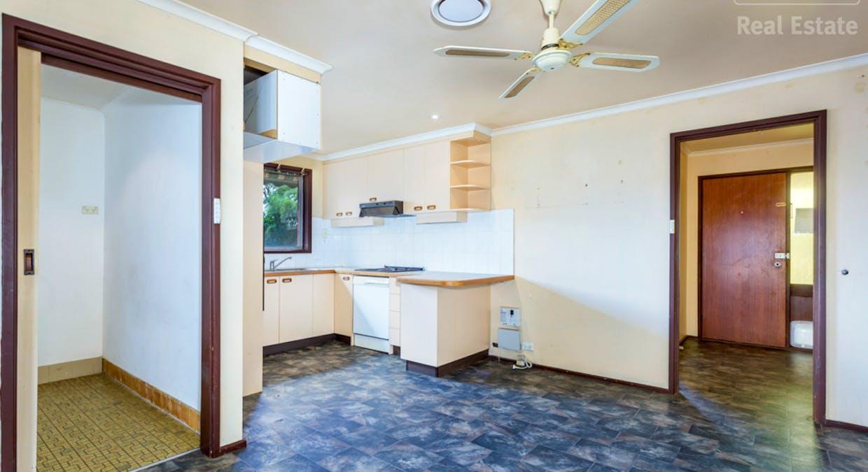 33 Hayley Crescent, Karabar, NSW, 2620 - Image 4