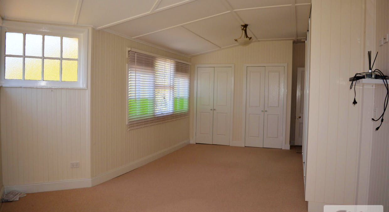 36 Warner Street, Rosenthal Heights, QLD, 4370 - Image 12