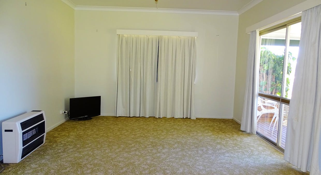 27 Church Street, St George, QLD, 4487 - Image 4