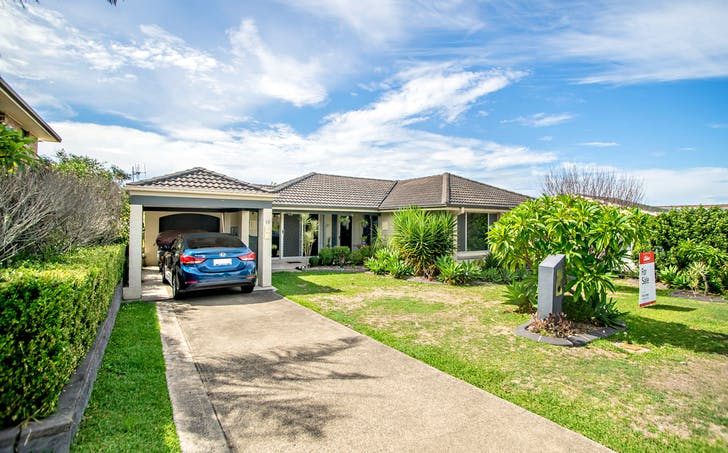 18 Tristania Crescent, Taree, NSW, 2430 - Image 1