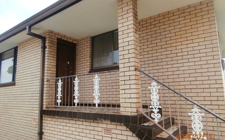 2/2 St Clouds Crescent, Lake Heights, NSW, 2502 - Image 1