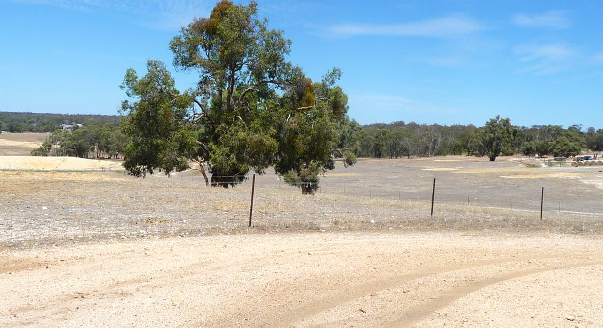 8488 Brookton Highway, Brookton, WA, 6306 - Image 12