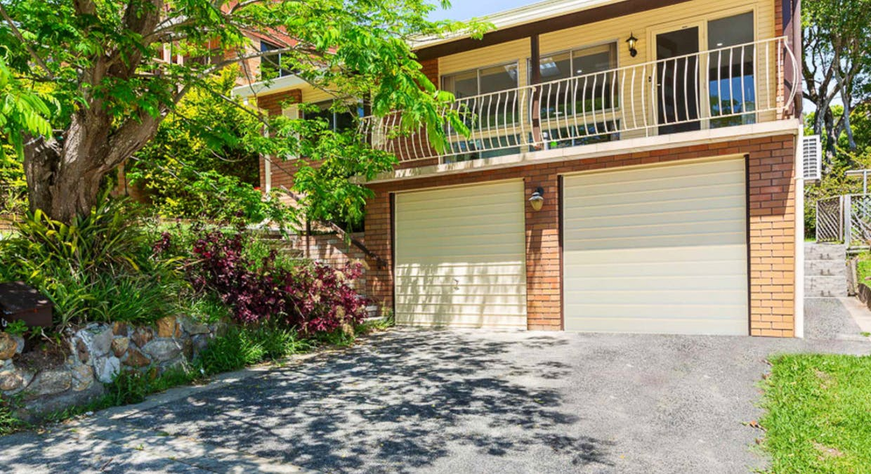 6 Greenslope Dr, Green Point, NSW, 2251 - Image 1