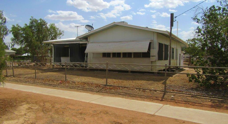 33 Manuka Street, Winton, QLD, 4735 - Image 1