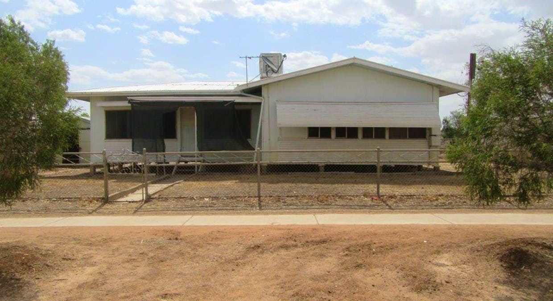 33 Manuka Street, Winton, QLD, 4735 - Image 2
