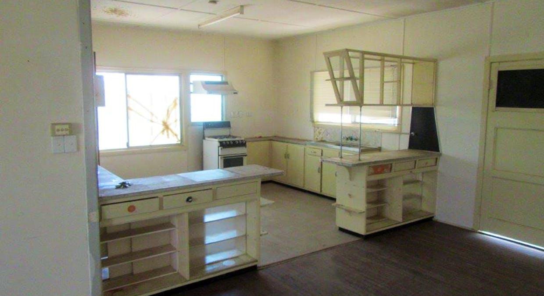 33 Manuka Street, Winton, QLD, 4735 - Image 4