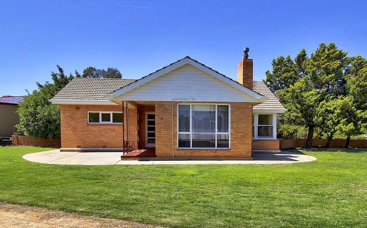 15 Pine Avenue, Loxton, SA, 5333 - Image 1