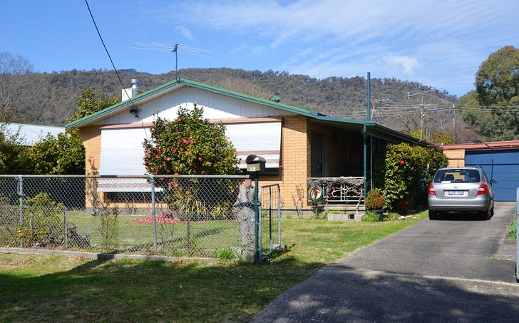 32 Valley Avenue, Mount Beauty, VIC, 3699 - Image 1
