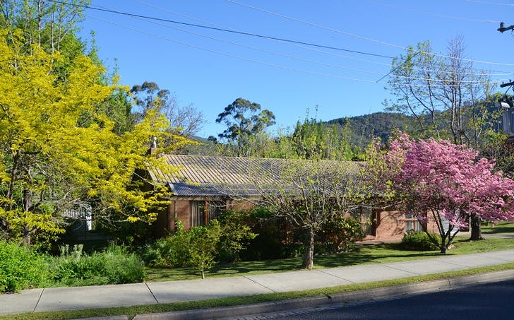 2 Showers Avenue, Bright, VIC, 3741 - Image 1