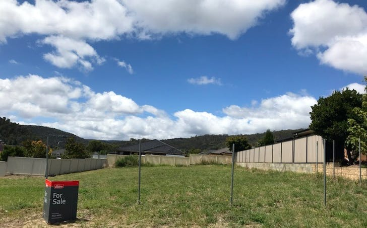 16 Henderson Place, Lithgow, NSW, 2790 - Image 1