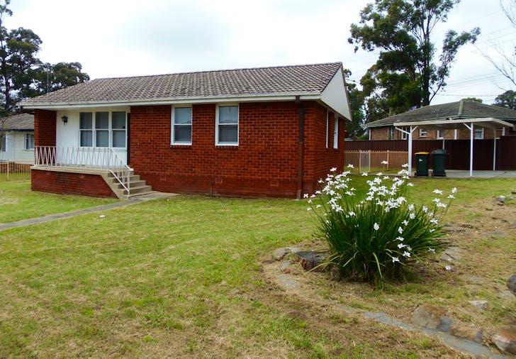 4 Riddell Crescent, Blackett, NSW, 2770