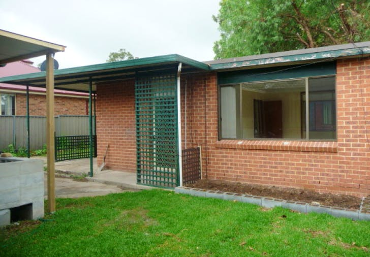 8A Macleay Crescent, St Marys, NSW, 2760