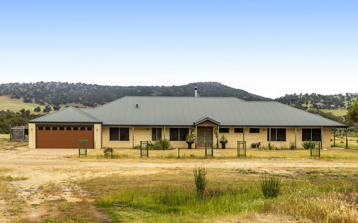111 Oaklands Place, Dumbarton, WA, 6566 - Image 1