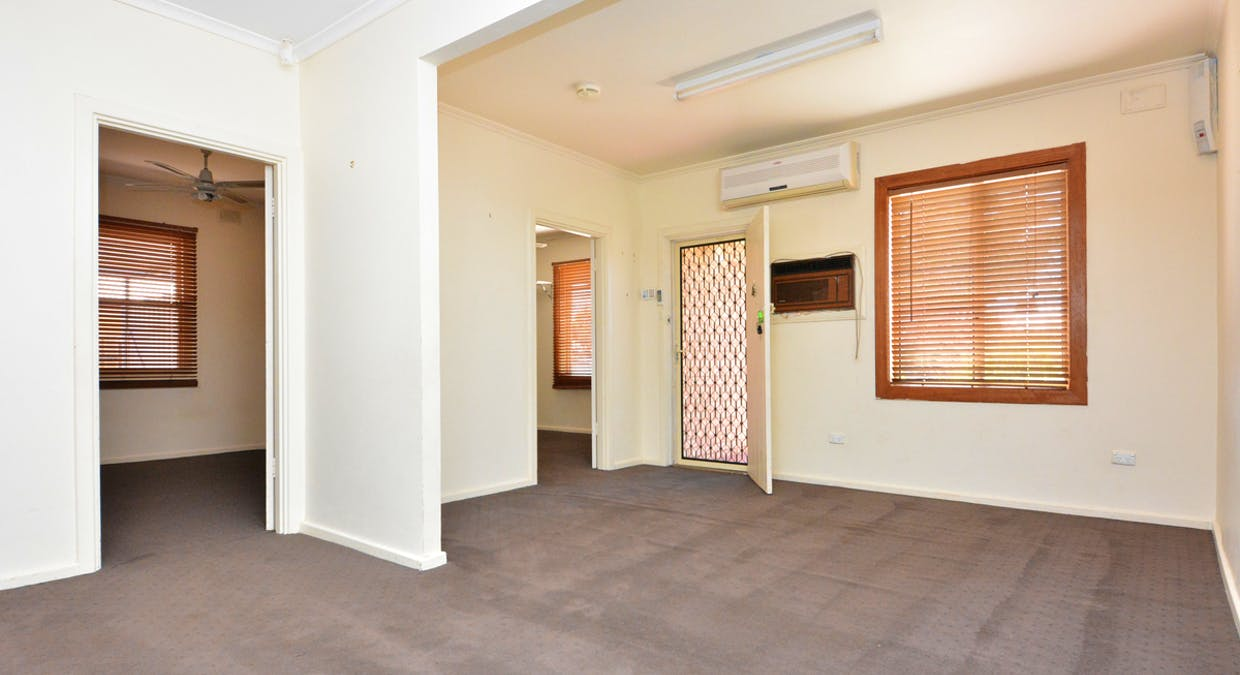 21 Henderson Street, Whyalla Norrie, SA, 5608 - Image 2