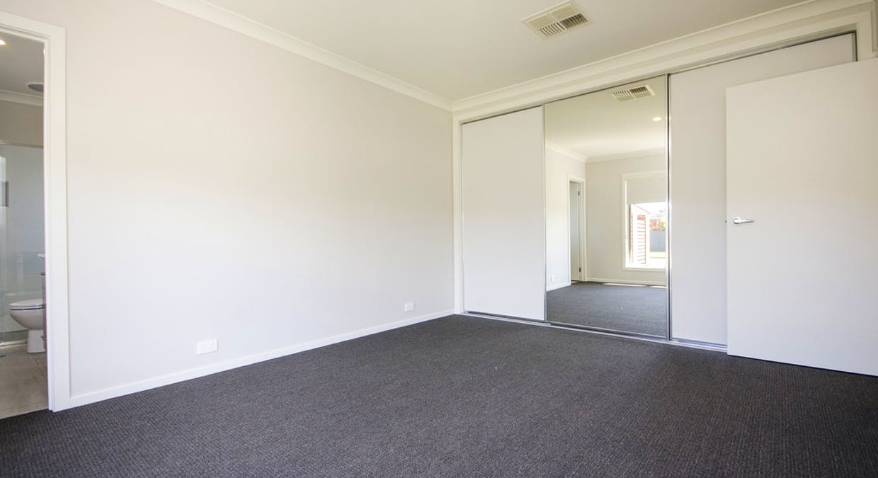 330 Bellevue Street, North Albury, NSW, 2640 - Image 12