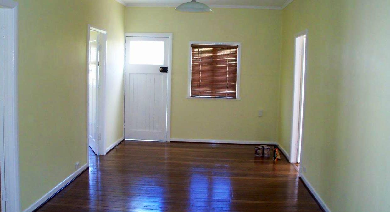 25 Leslie Street, Woodford, QLD, 4514 - Image 2