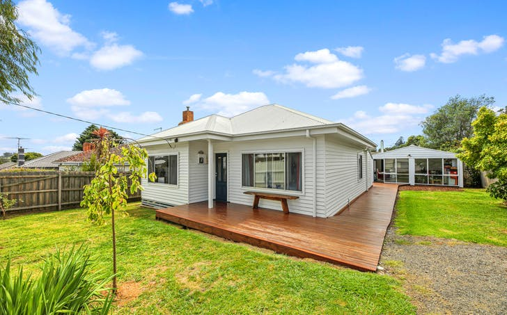 11 Williamson Street, Drouin, VIC, 3818 - Image 1