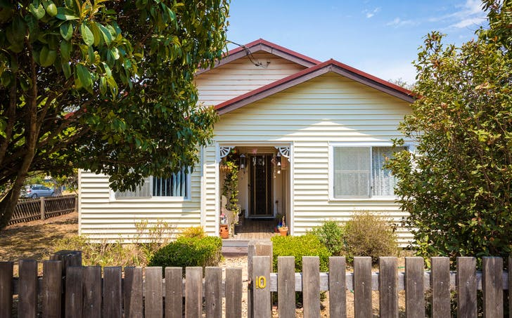 10 Hoyer St, Cobargo, NSW, 2550 - Image 1