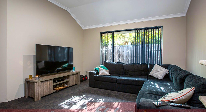 26 Barton Drive, Australind, WA, 6233 - Image 6
